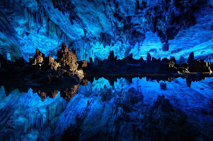 Пещера Тростниковой Флейты в Китае (13 фото)