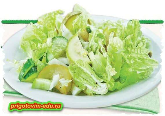 Салат с кабачками и пекинской капустой