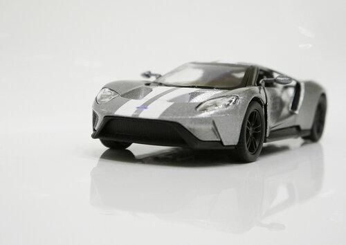 Машинка металлическая Kinsmart 2017 FordGT