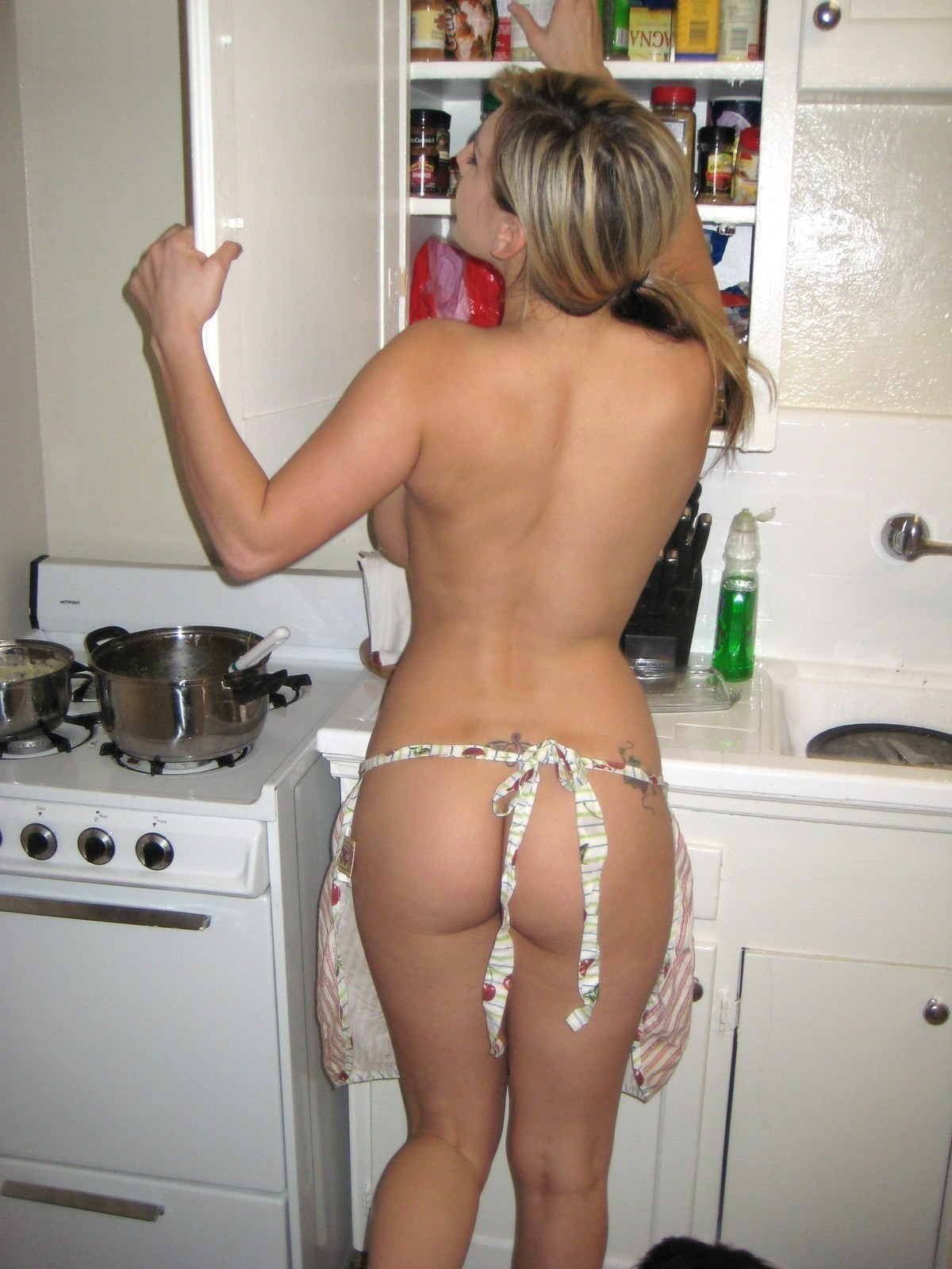 sexy-girl-cooking-ass-college-chicks-self-shot-nudes