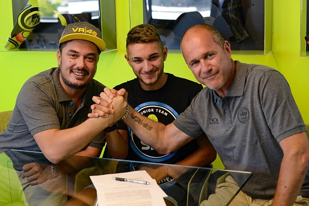 Команда Sky Racing Team VR46 подписала Луку Марини и Денниса Фоджа