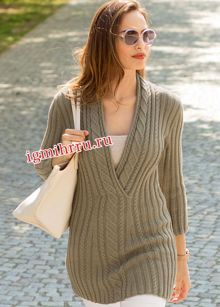 Удлиненный оливковый пуловер с глубокой горловиной. Вязание спицами