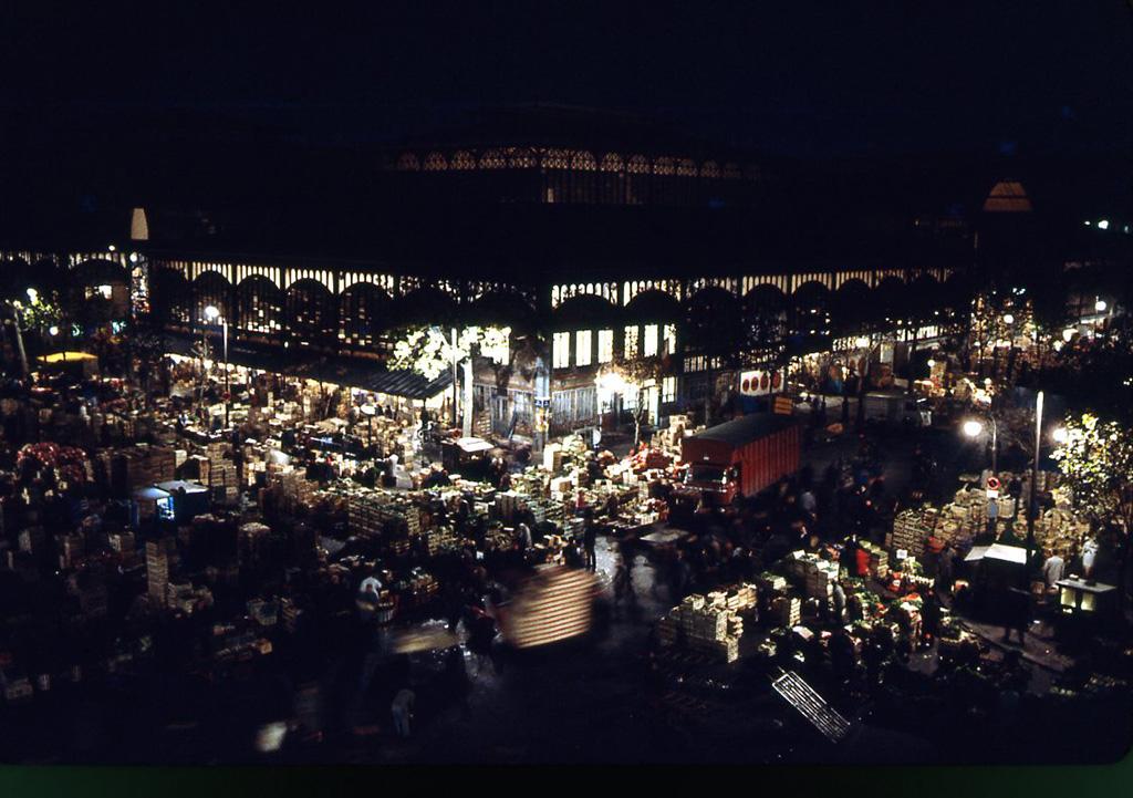 1960. Павильоны Бальтара ночью