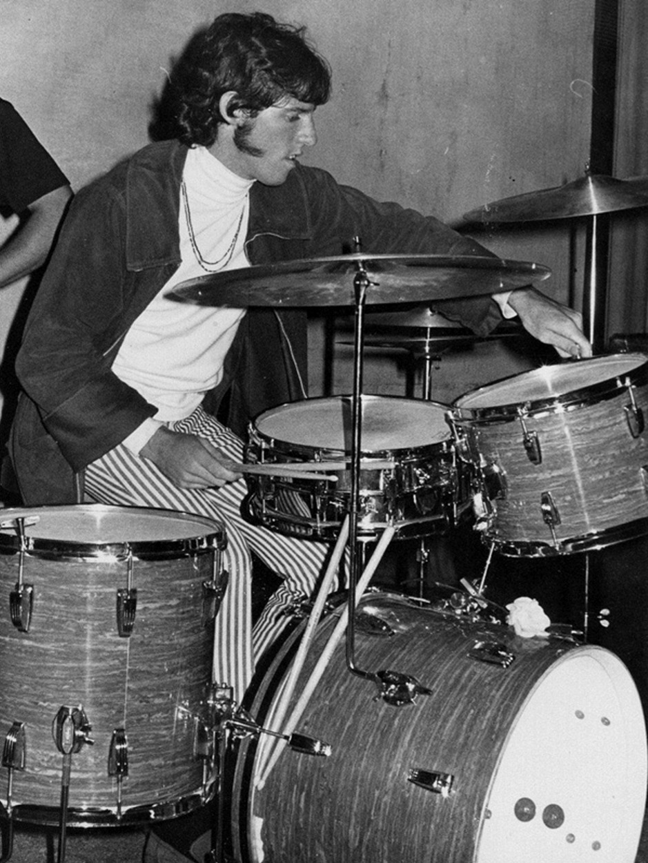 1966. Джон Денсмор