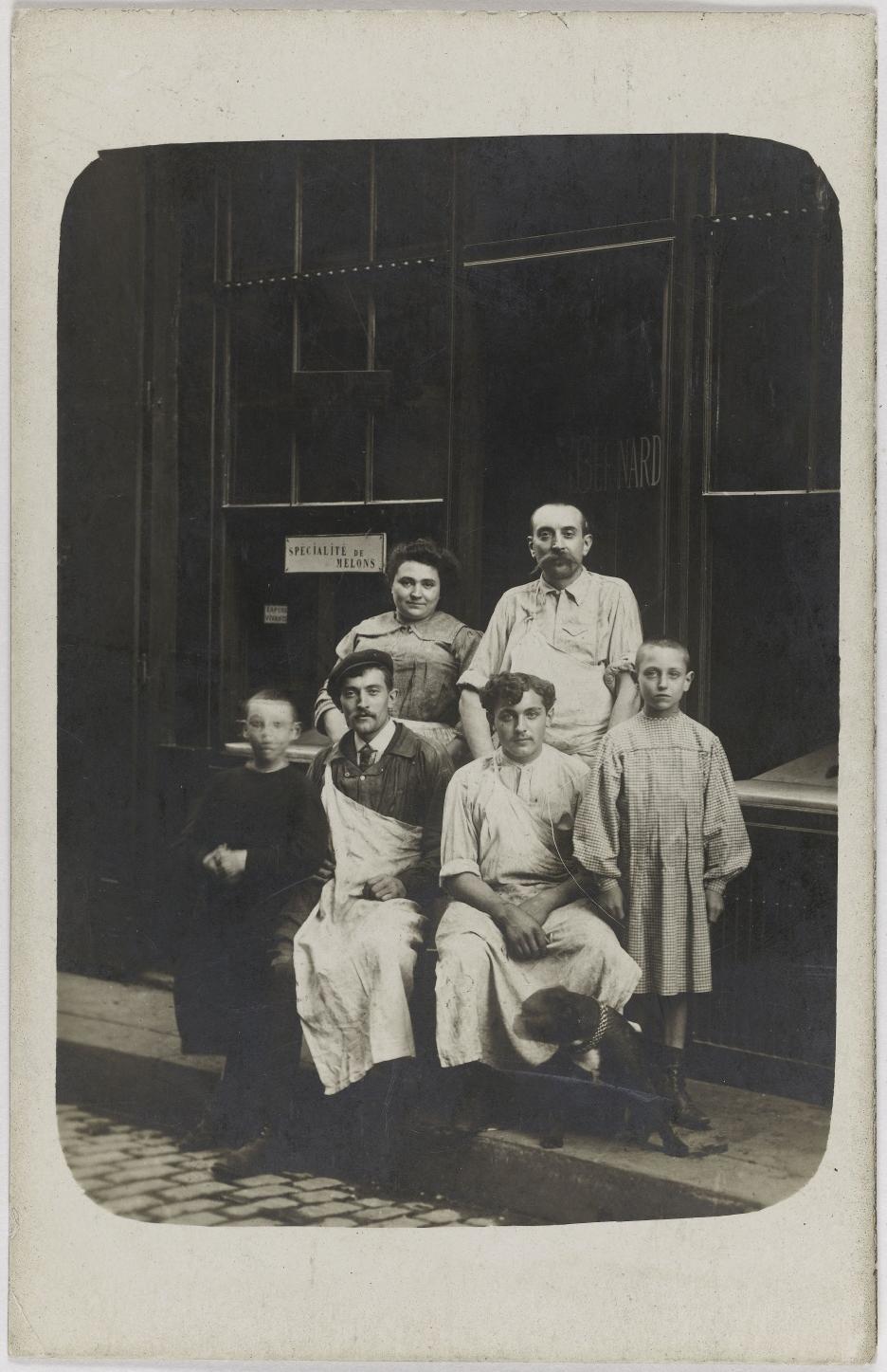 1910-1920. Бакалея, мясная лавка. Дом Э. Бернарда
