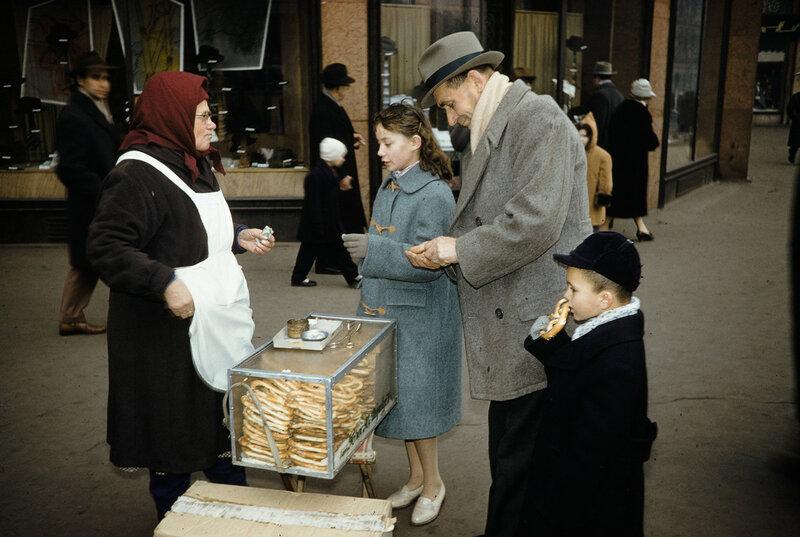 1959 Кренделя в Москве.jpg