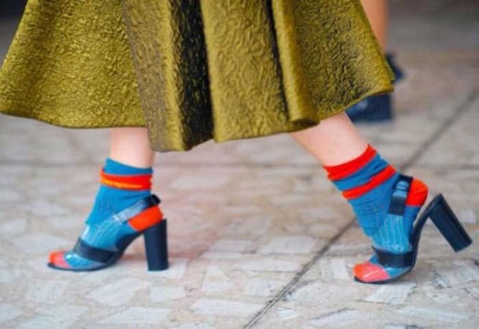 сочетать носки с разной обувью