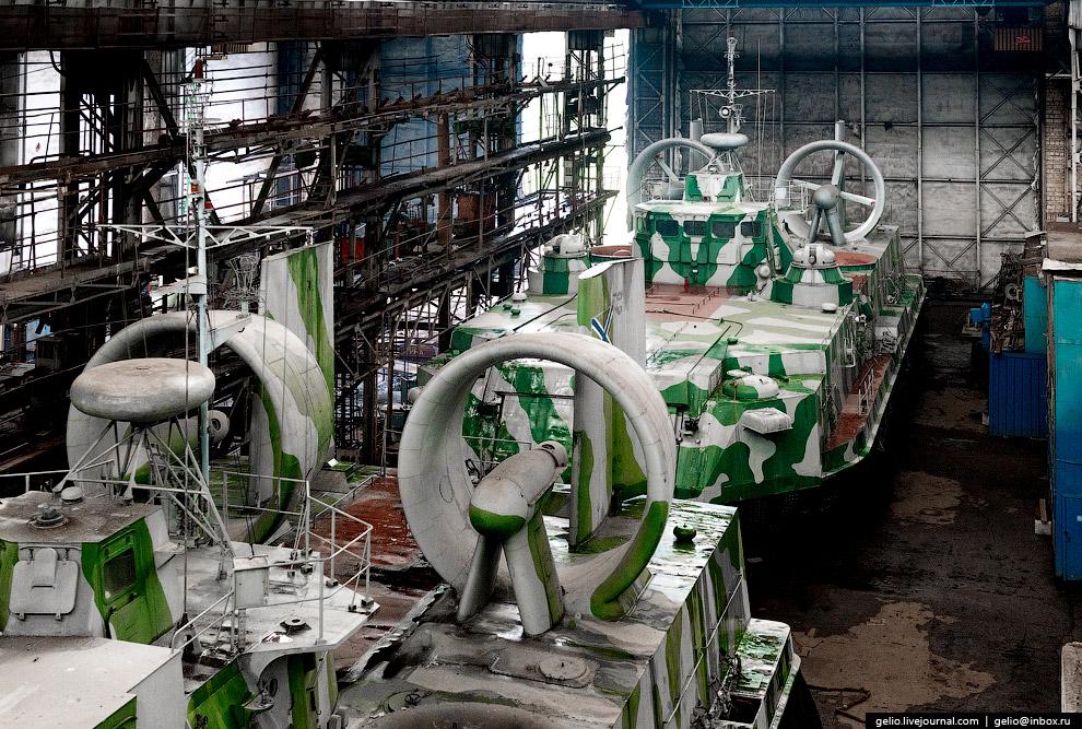 55.  Завод «Красное Сормово» . Один из старейших российских судостроительных заводов,