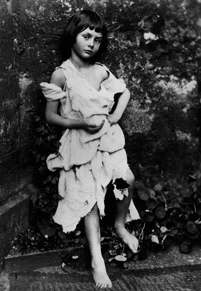 Алиса Лидделл в 7 лет, фото Льюиса Кэрролла, 1859.