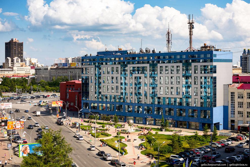 37. Железнодорожный вокзал «Новосибирск-Главный».