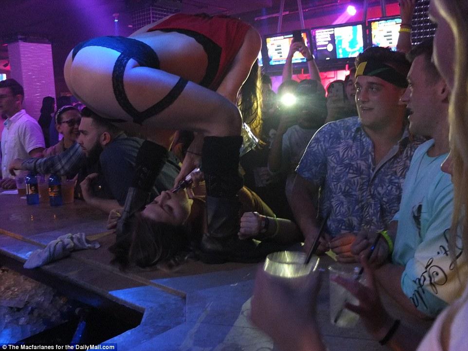 алкоголь каникулы студенты Флорида 18+