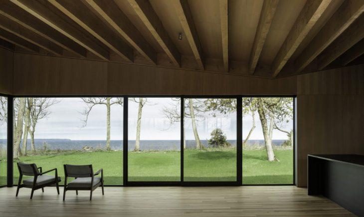 Michigan Lake House by Desai Chia Architecture