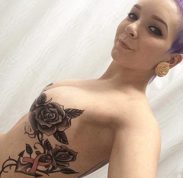 Девушка с удаленными молочными железами обзавелась татуировкой на груди