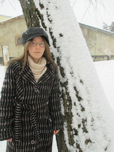 Зимние портреты. Во дворе дома