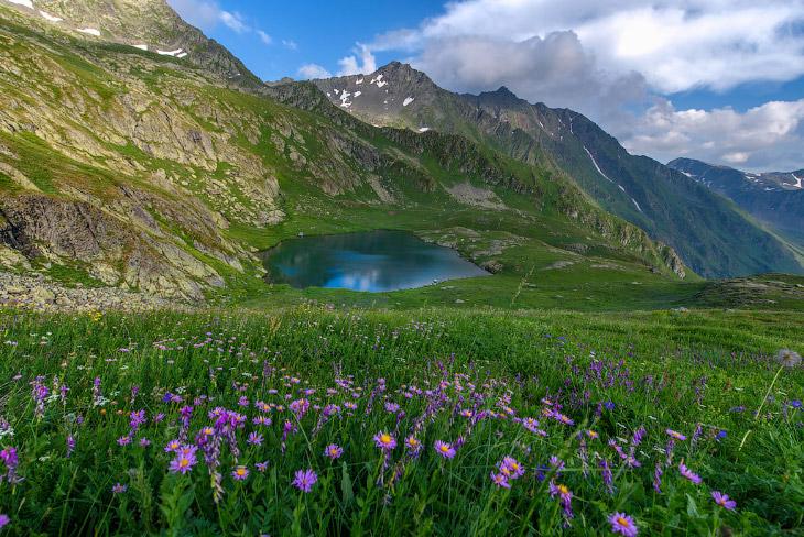 Озеро Григора на красивейшей вершине Кавказа (18 фото)