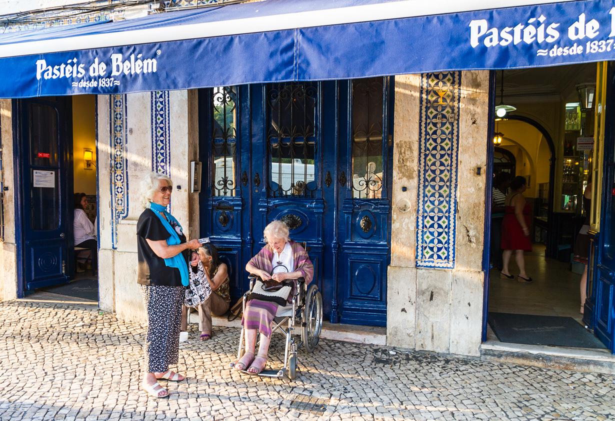 21.  Португалия, Лиссабон. Кондитерская Pasteis de Belem . Заведение славится в основ