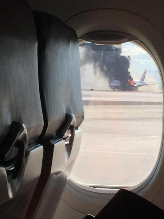 © DL_Somers / twitter     Вовремя каждого полета самолет переходит нарежим, при котором