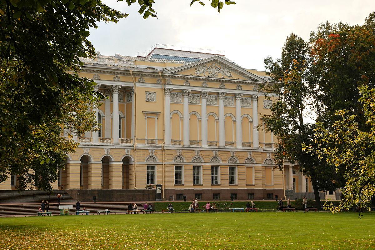 натяжном фото михайловского дворца через месяц молодые