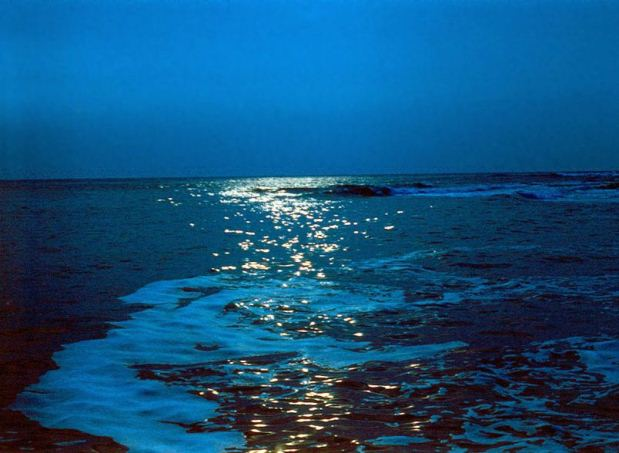 1200px-Evening_sea.jpg
