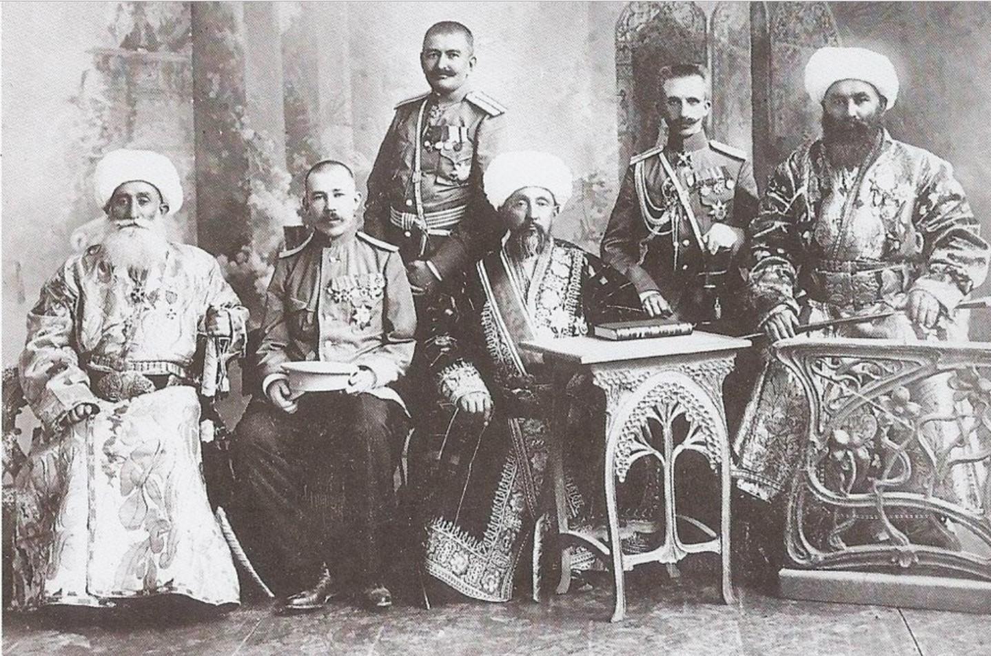 Придворные эмира Бухарского. 1915