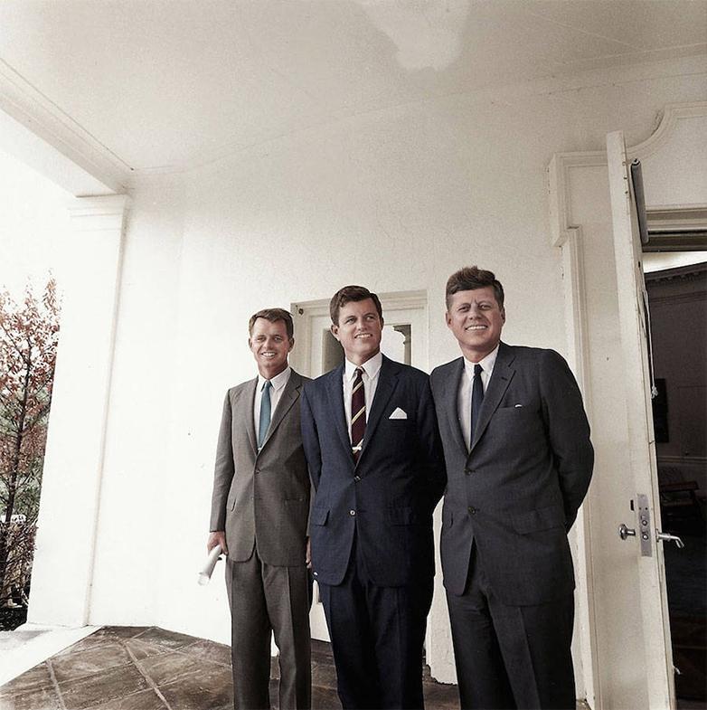 Трое братьев Кеннеди, которые превратились в могущественный политический триумвират (1962): Джон ста