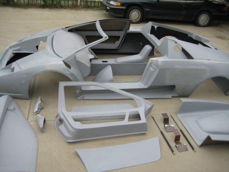 В зависимости от сложности конструкции и количества деталей, сборка кит-кара может занимать от 100 ч