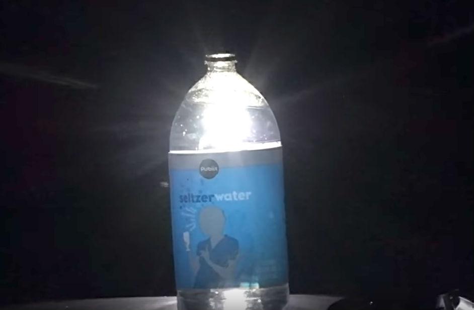 В качестве приманки можно использовать газированную воду, поставив между вентиляторами чуть приоткры