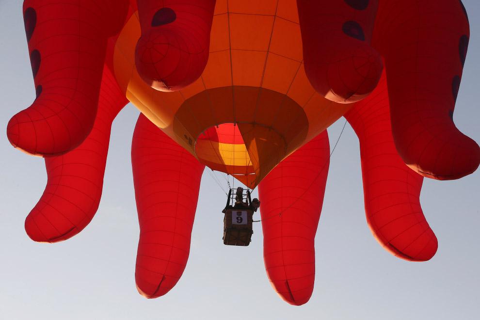 Современные воздушные шары, используемые для демонстрационных и спортивных полётов, также как и