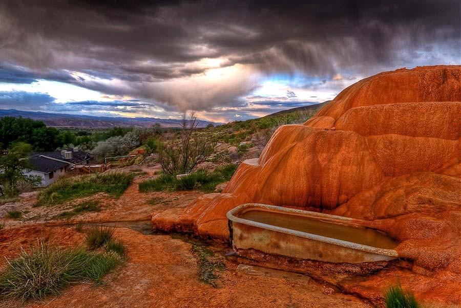 12. Мистические горячие источники, Юта Тайна в самом названии, и эту тайну источники в Монро, штат Ю