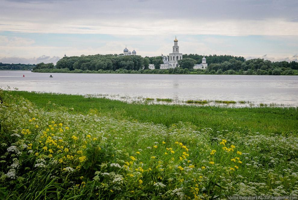 42. Это Юрьев монастырь . Он тоже очень знаменитый, но я уже не способен воспринимать такой пот
