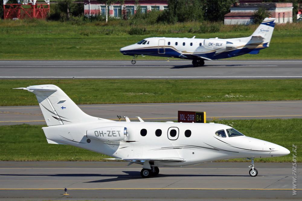 Raytheon_390_Premier_I_OH-ZET_Airfix_Aviation_1_LED_.JPG