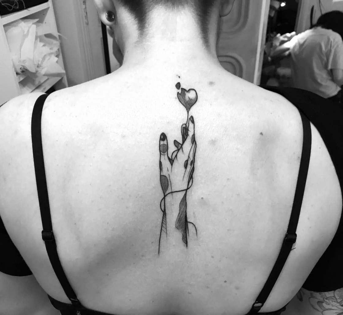 Smoking Girls - The tattoos of MelleGee