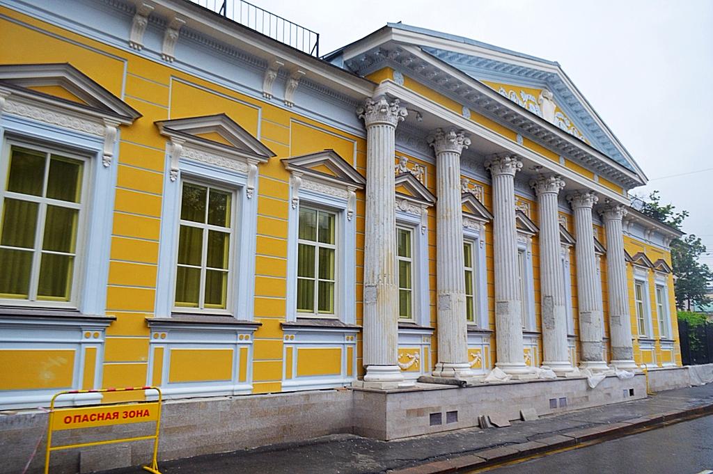 Как выглядит резиденция посла Испании в Москве?