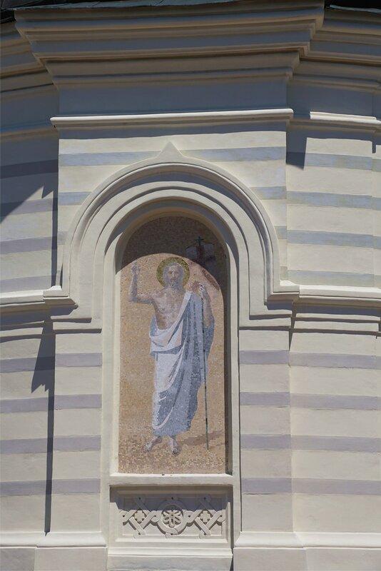 Храм Вознесения Господня в Форосе-фреска фасада