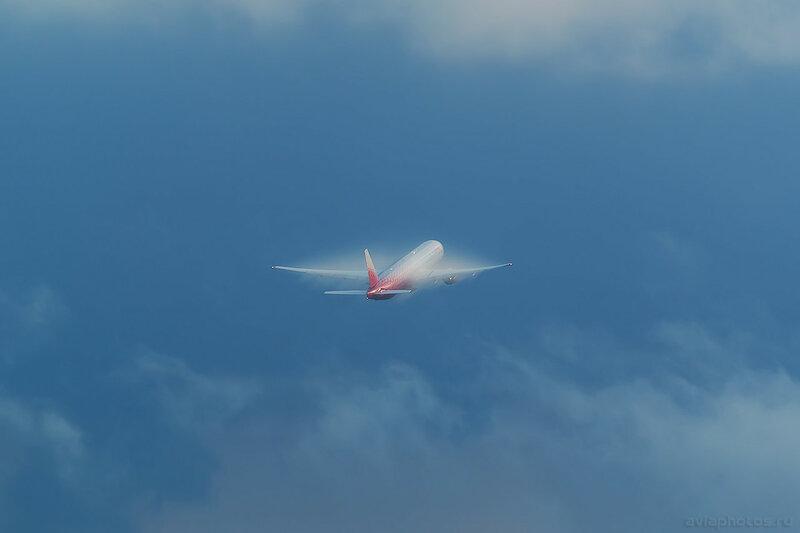 Boeing 777-312 (EI-UNP) Россия 351_D801948