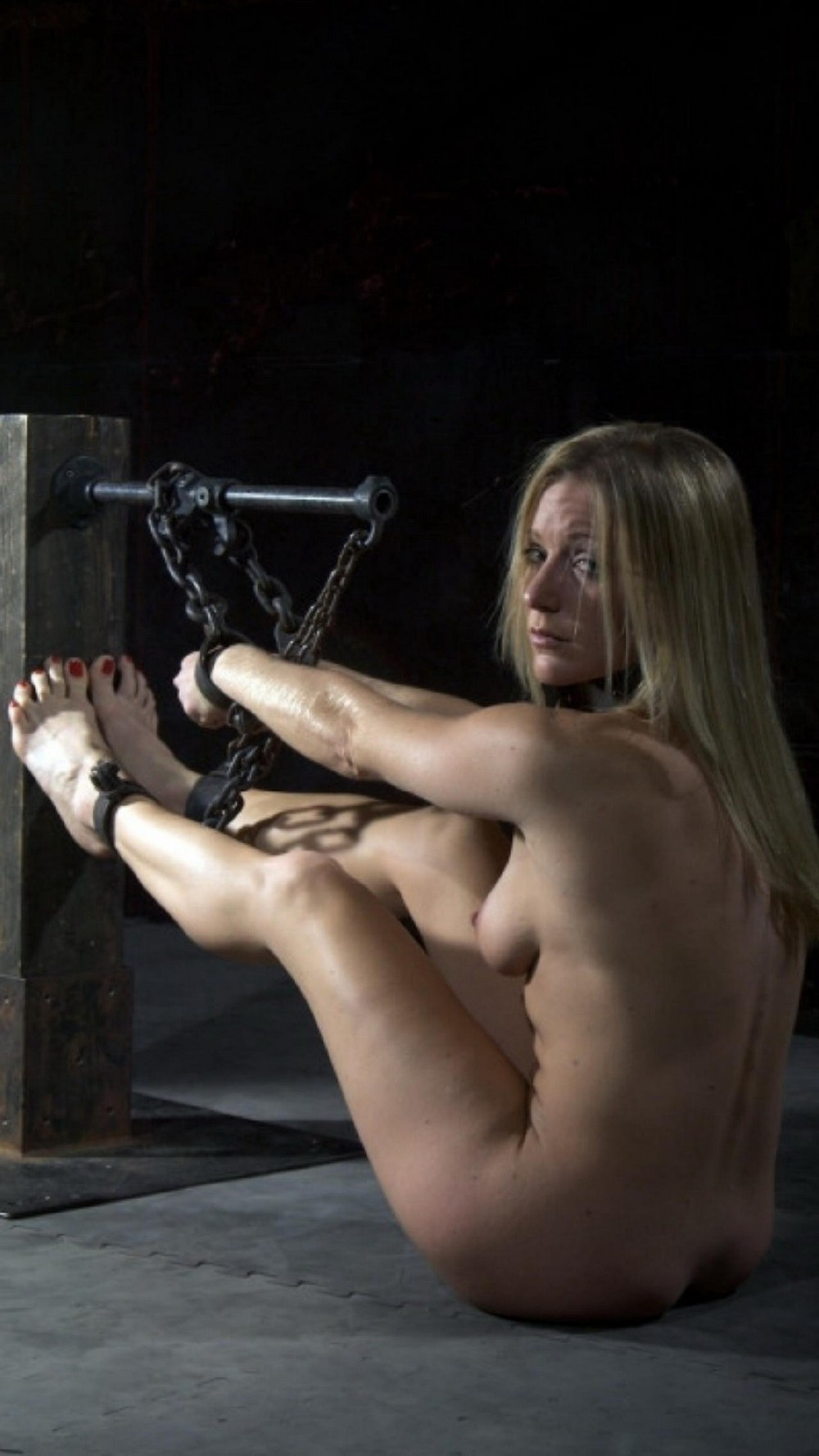 девушки рабыни оковы наручники - 8