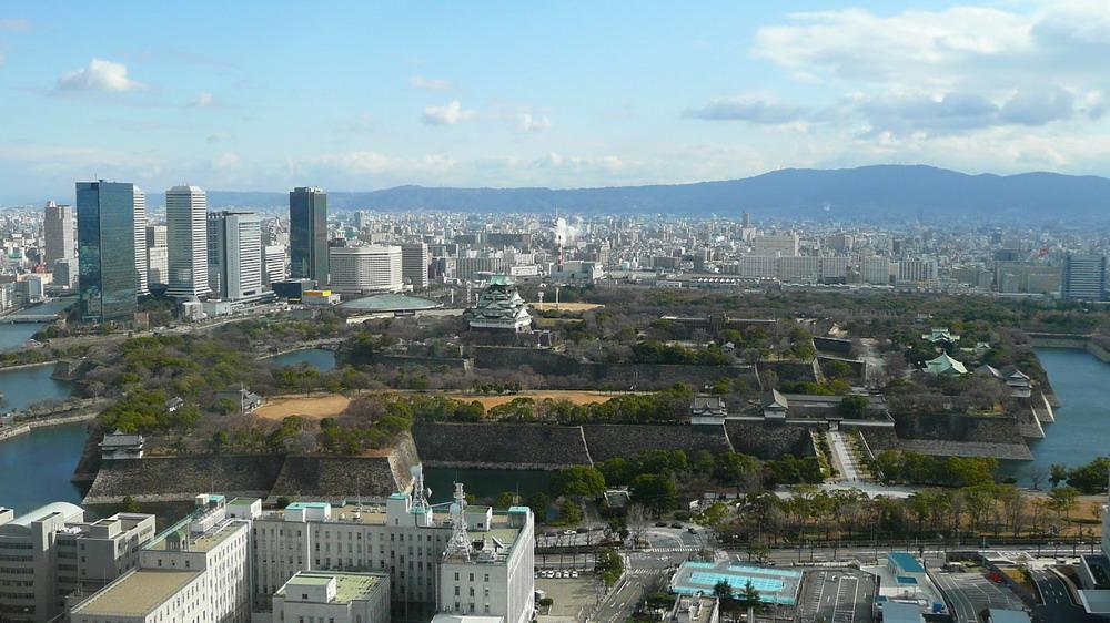 Japan_Osaka_Castle_resize.jpg