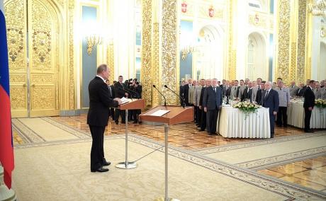 Лучших выпускников и преподавателей военных вузов чествовали в Москве