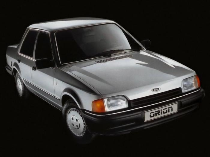 В 1978 году Клод Лобо переехал в Великобританию, где работал над дизайном популярных в Европе Ford T
