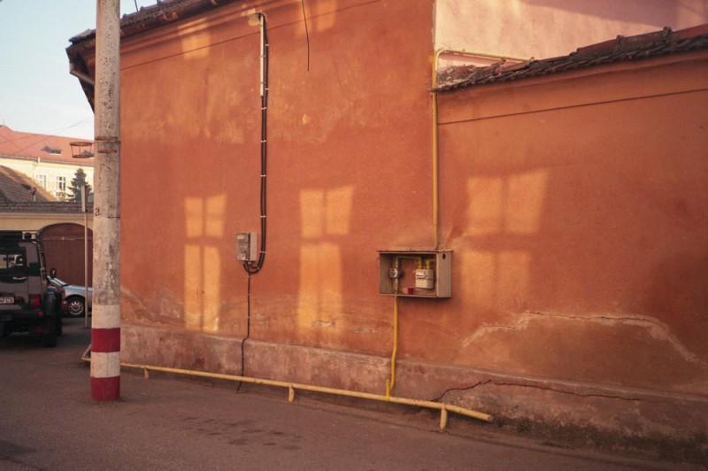 Фотограф показывает, как умирает его родной городок в Трансильвании