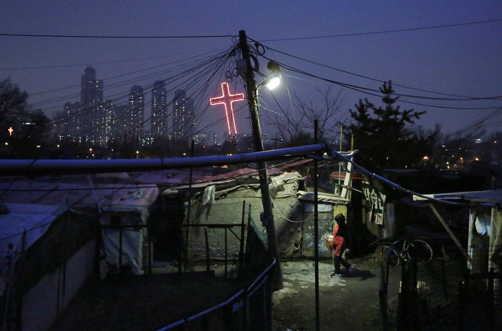В почти 11-миллионном Сеуле проживает более 20% населения страны. HDR-фотография . (Фото Trey R