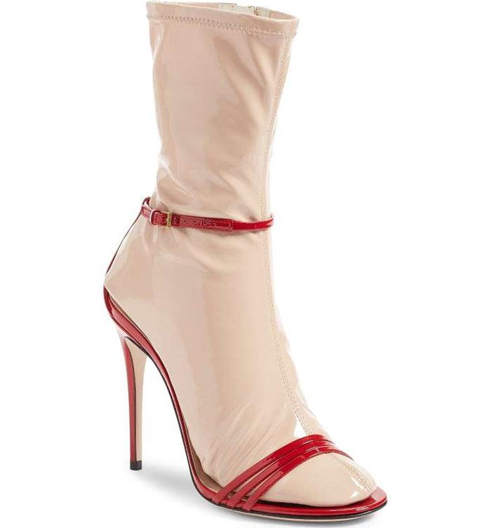 Носки-сандалии Gucci.