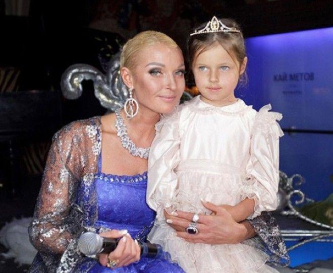 19. Филипп Киркоров с сыном Мартином и дочерью Аллой-Викторией
