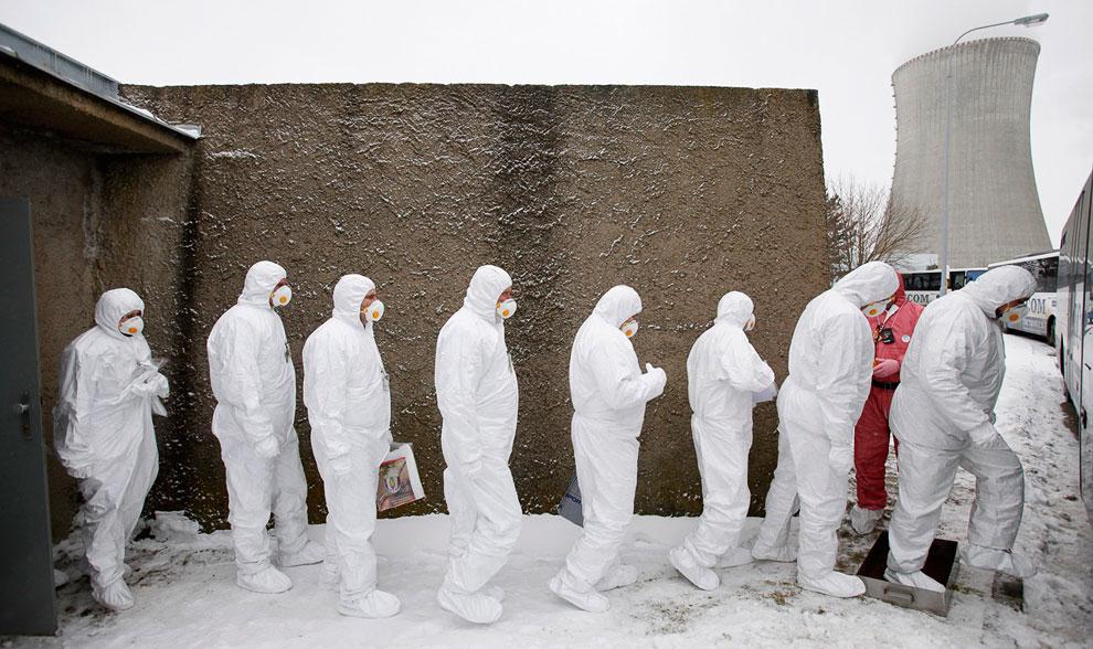 На площади Сан-Марко во время венецианского карнавала , 3 февраля 2013. Карнавальные маски могу