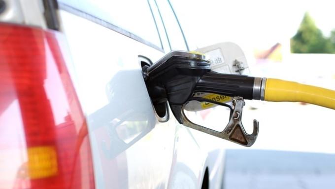 Русский бензин практически сравнялся поцене с североамериканским
