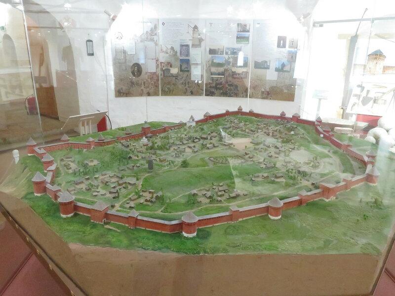 Реконструкция Смоленской крепости. Вид на юго-западную часть.