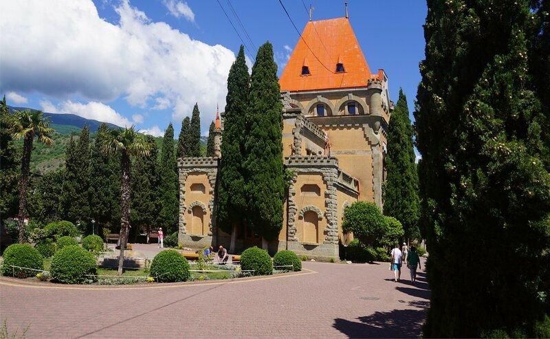 Дворец княгини Гагариной-санаторий Утёс