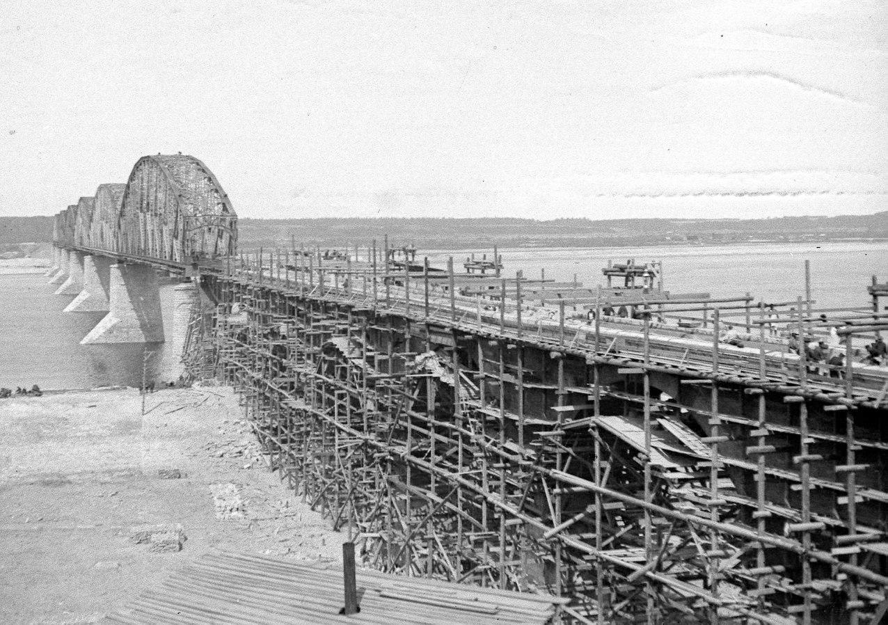 Вид на мост с правого берега (с. Н. Вязовые)