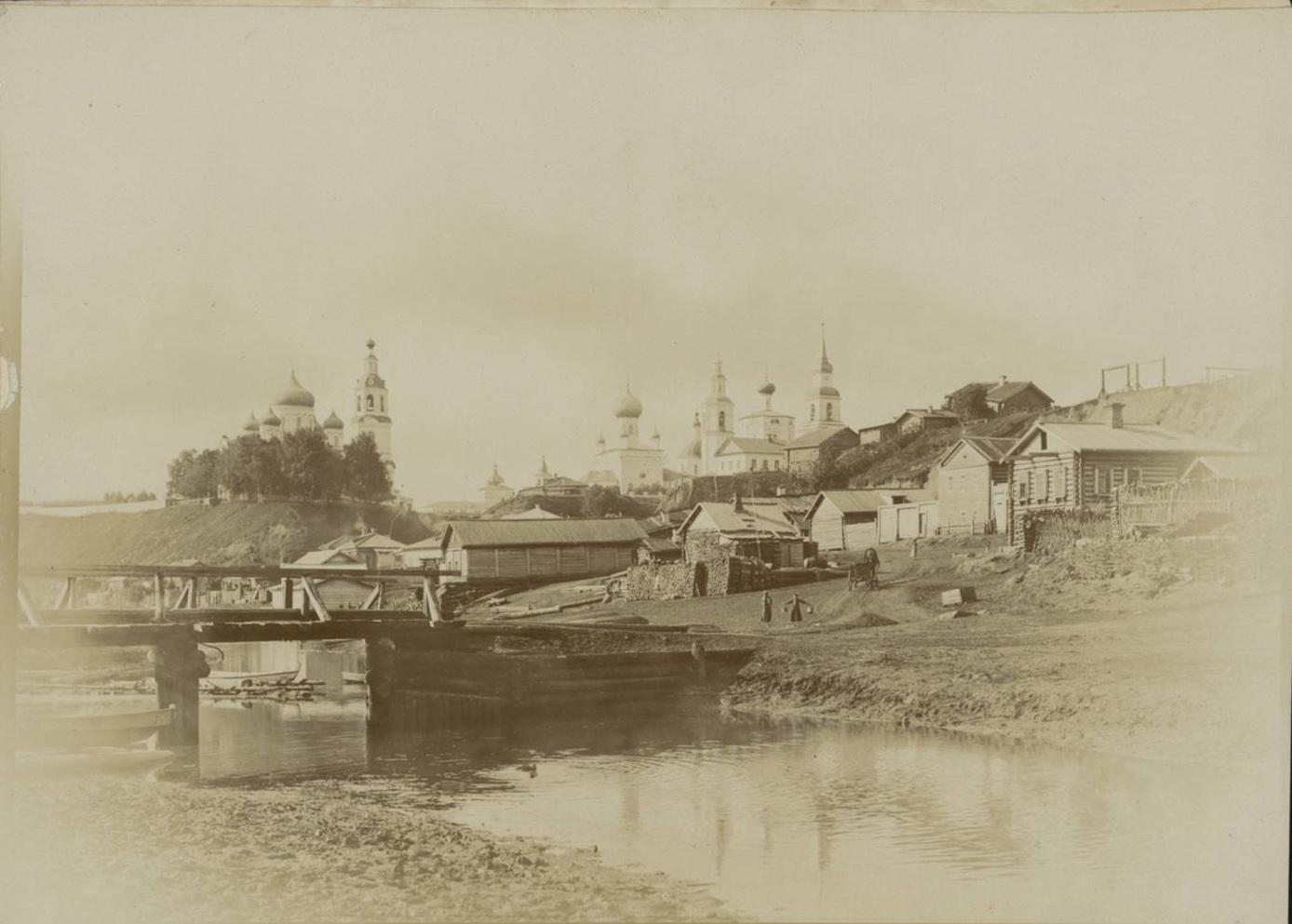 Общий вид города с реки Вятки