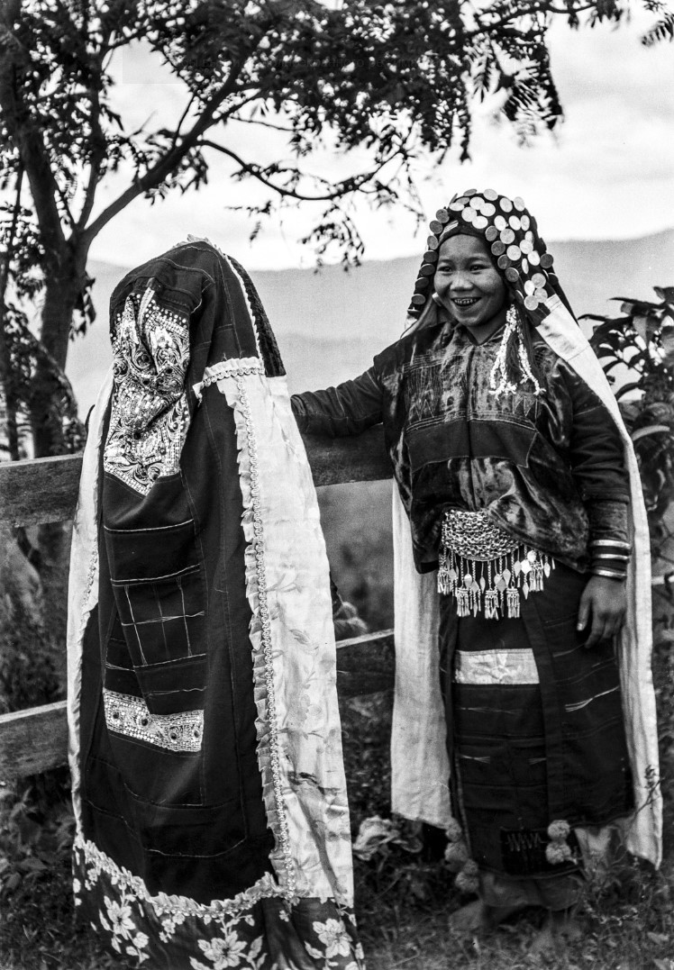 1101. Женщины народности палаунг